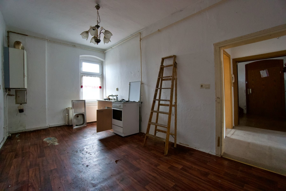 2 Raum Wohnung 2.OG links