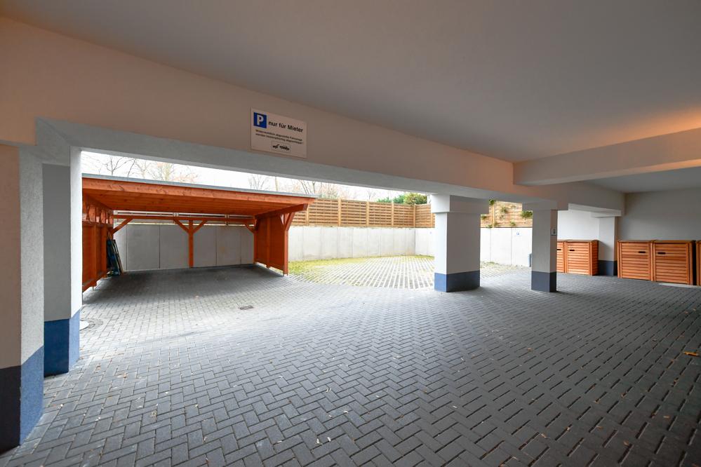 Hinterhof_Parkplätze